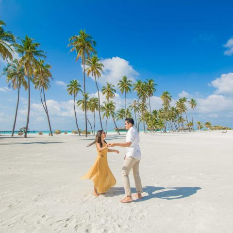 Couple on a Maldives honeymoon