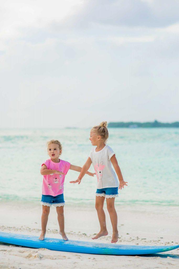 Maldives family photo session by phaisalphotos