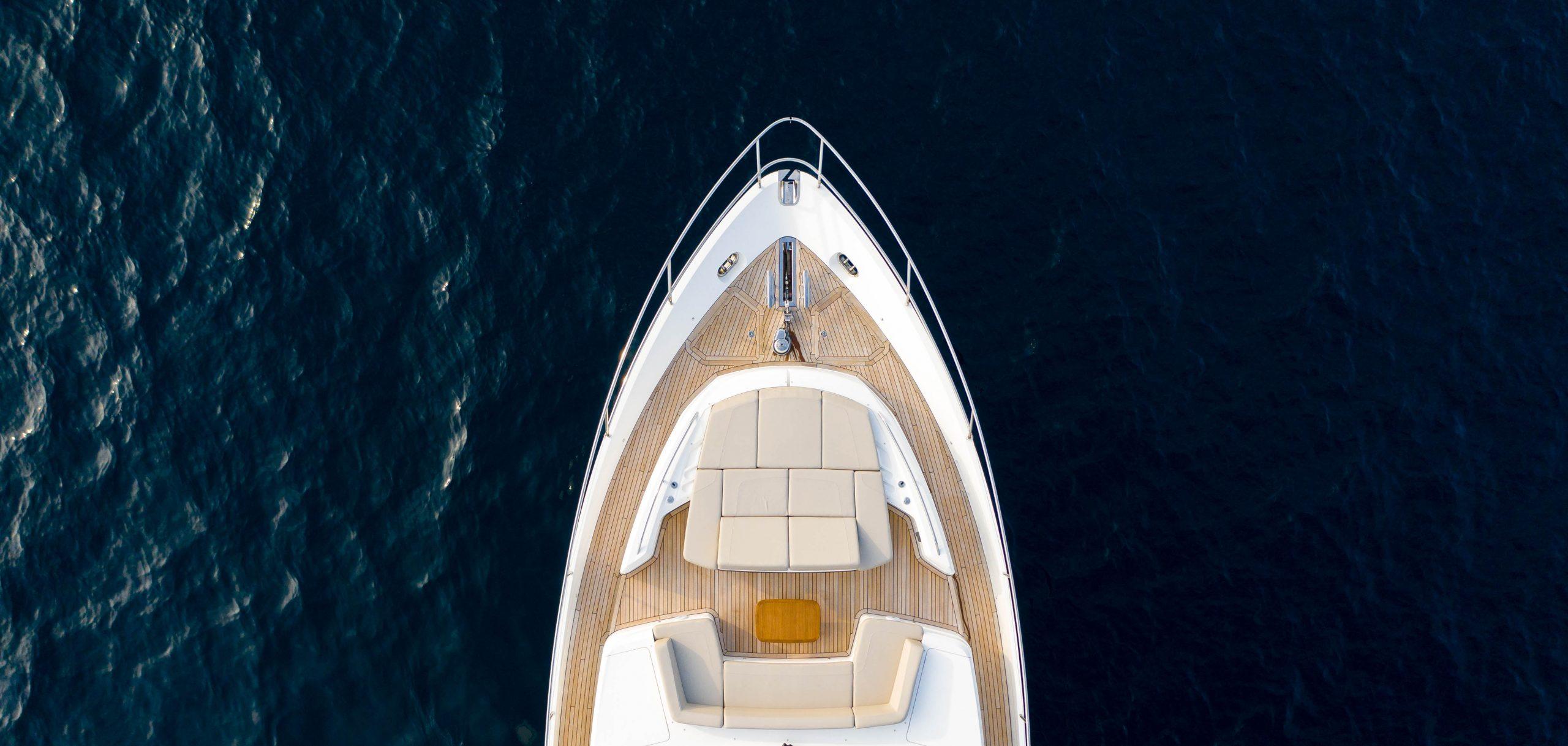 luxury yacht in maldives 2