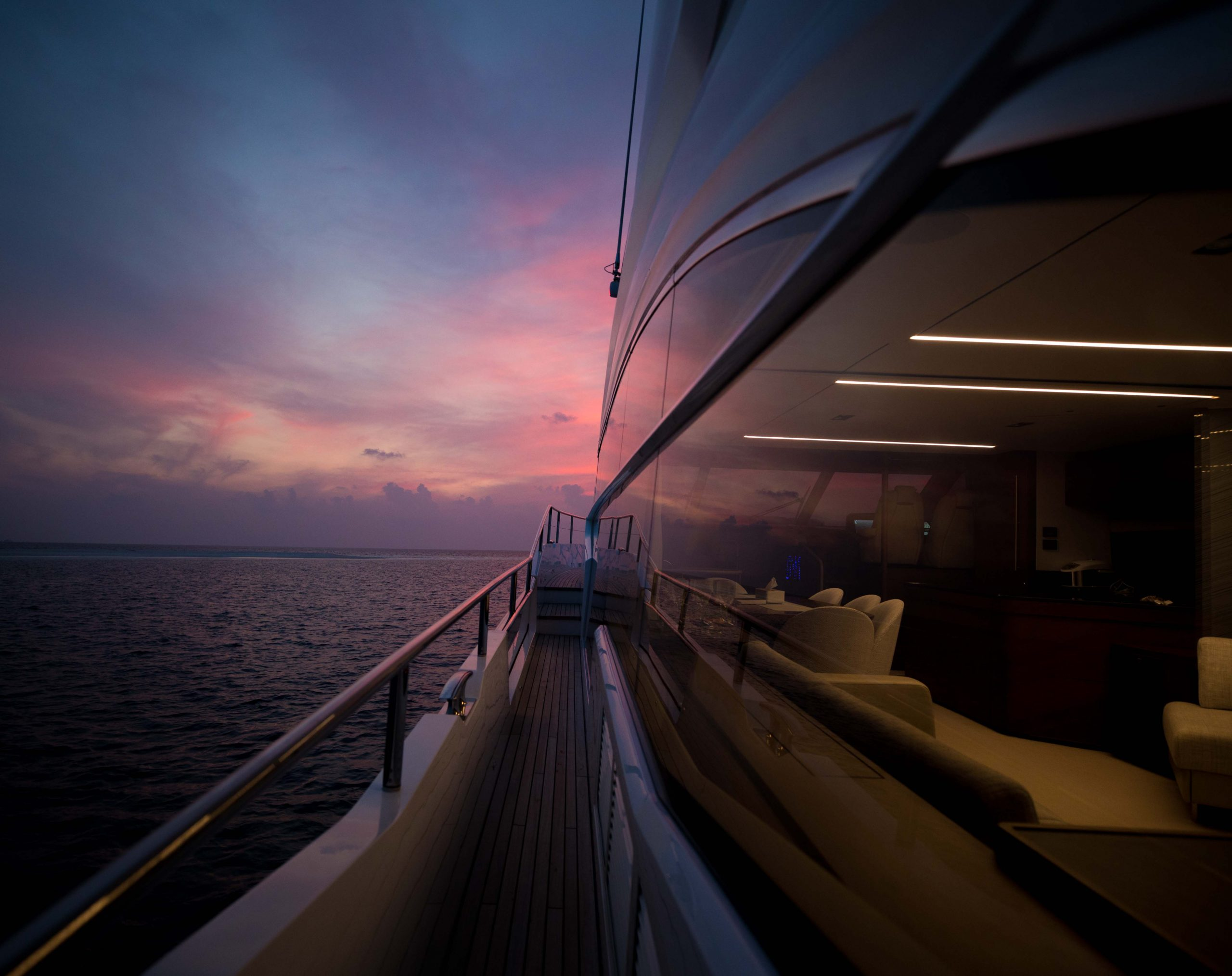 luxury yacht in maldives